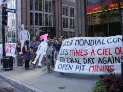 Manifestation contre les mines à ciel ouvert, 22 juillet 2010, DSC09136