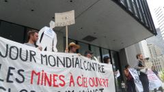 Manifestation contre les mines à ciel ouvert, 22 juillet 2010, SAM_3035, de Alex