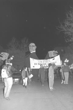 La paix en Amérique centrale, oui! Marche-célébration Romero 24 mars 1988