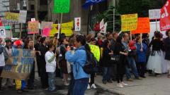 Manifestation contre la signature de l'Accord de libre-échange Canada-Colombie (ALÉCC) et la venue du président colombien Alvaro Uribe à Montréal, 10 juin 2009_04
